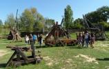 Les internes du collège partent à la découverte des machines du Moyen-Age de Larressingle