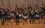 « La danse de l'an 3000 » et le chant « Alors on danse…» par les élèves de CM1-CM2